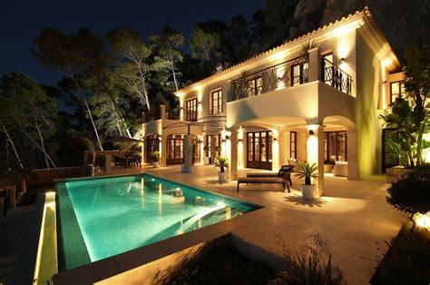 reposeful can siurell villa curve interior design