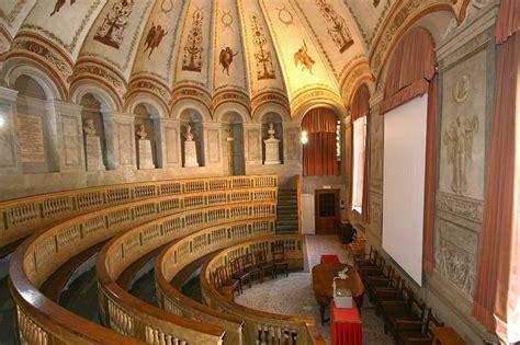 file aula scarpa universit 224 di pavia jpg wikimedia commons