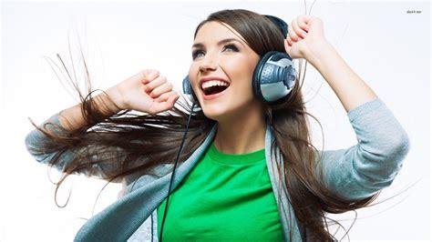 wallpaper girl happy 19058 happy girl listening to music 1920x1080 music