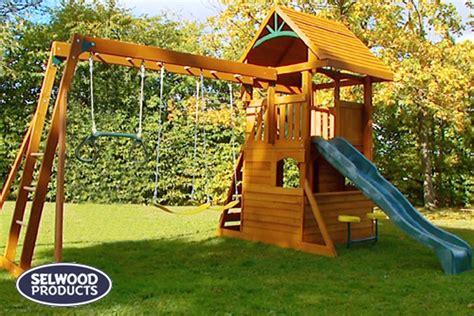 balancoire portique aire de jeux osborn selwood