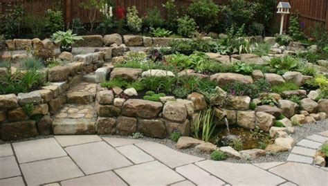 Garten Stufen Anlegen by Einen Steingarten Gestalten In Form Stufen Und Mit