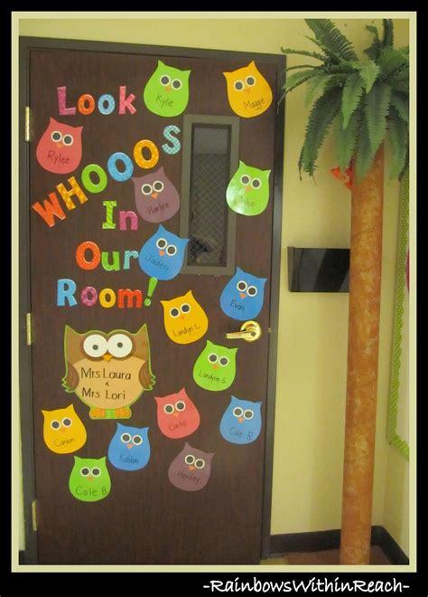Hiasan Pintu 4 owls whooo for you owl bulletin board and classroom door