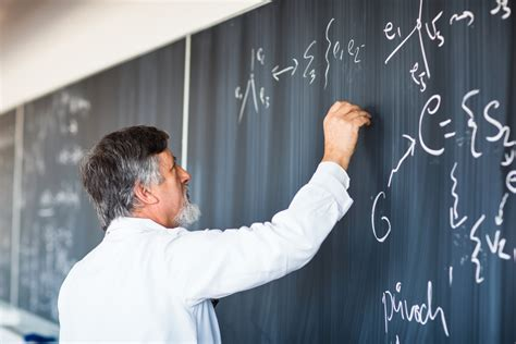 read how to become a college professor earnmydegree