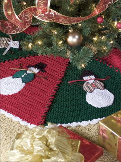 christmas tree duo crochet pattern red heart christmas crochet pattern ripple skirt tree crochet patterns