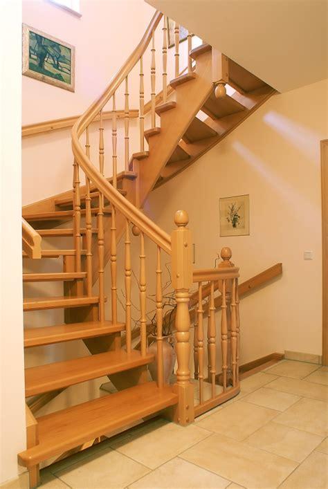 Treppengeländer Holz Außen by Treppengel 228 Nder Holz Gedrechselt Bvrao