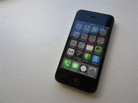 iPhone 4s iOS 8.1.2 Reviews