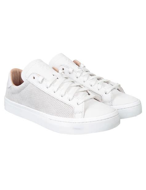 adidas originals court vantage shoes vintage white