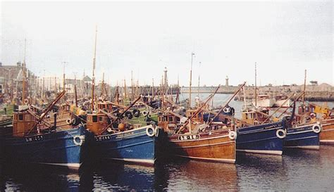 living on a boat edinburgh leith fishing boats including lh28 where