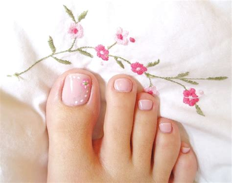 easy nail art for legs soft pink toe nail art with white dots and flower read
