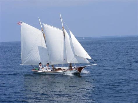 small boat sailing an explanation of the management of small yachts half decked and open sailing boats of various rigs sailing on sea and on river cruising etc classic reprint books image gallery small schooner