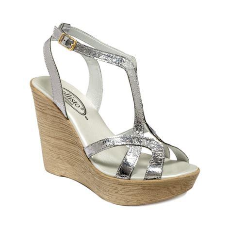 callisto monaco wedge sandals in silver silver crackle