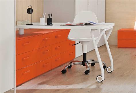 scrivania con ruote scrivania con cassetti start cassetti clever it