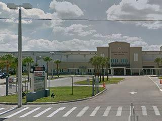 girl has in school bathroom teen girl has sex with multiple partners in florida high school bathroom people com