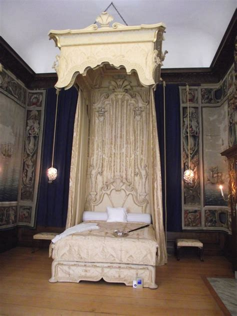 royal beds 37 best royal bed chambers images on pinterest royal bed