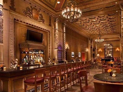 the room los angeles ca 30 iconic american hotel bars everyone should a drink at business insider