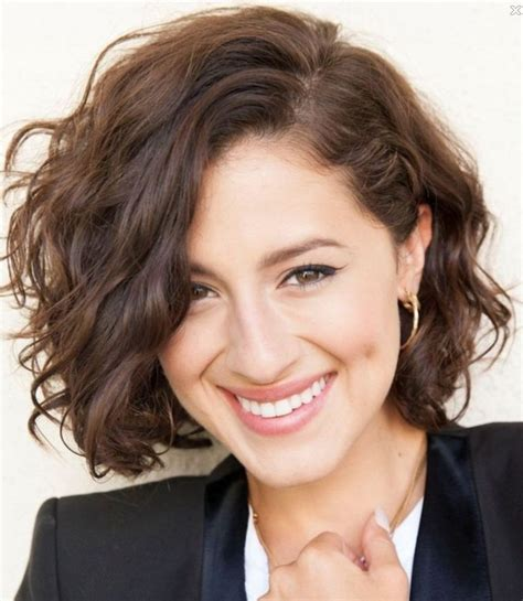 everyday hairstyles for curly thick hair ways to style short wavy hair