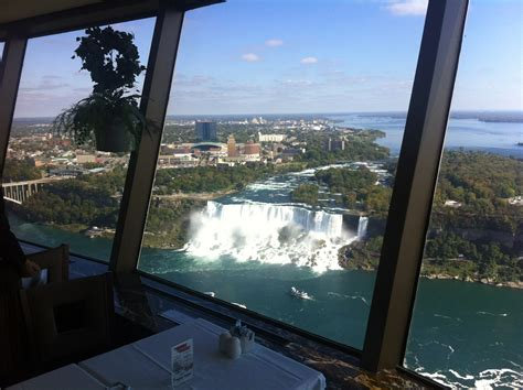 skylon tower revolving dining room what s it like to eat at the tallest structure in niagara