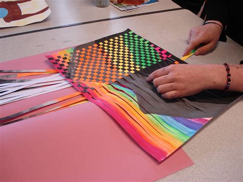 Paper Weaving Crafts - a faithful attempt may 2011