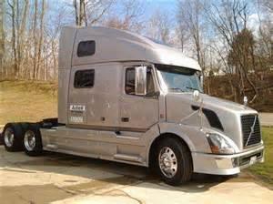 Volvo Semi Trucks For Sale 2009 Volvo 780 Semi Truck Tandem Axle For Sale In