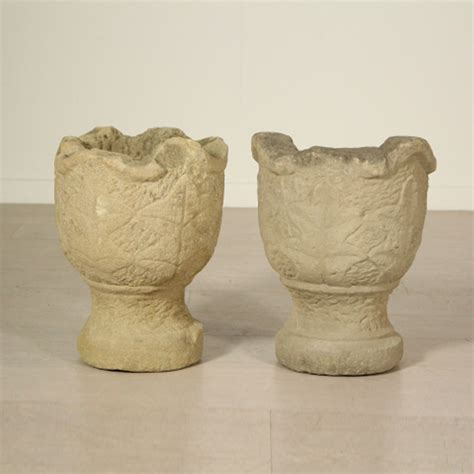 vasi pietra coppia di vasi in pietra pietre e arredi giardino