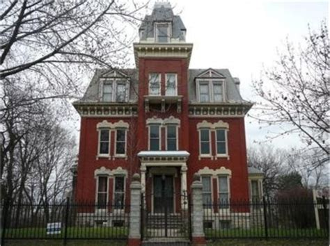real haunted houses in illinois 8 spookiest haunted mansions to ever hit the real estate market