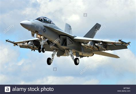 legacy hornets boeing s f a 18 a d hornets of the usn and usmc legends of warfare aviation books f18 f 18 the boeing f a 18e f hornet multirole