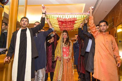 pakistani mehndi entrance ideas  ideas   totally