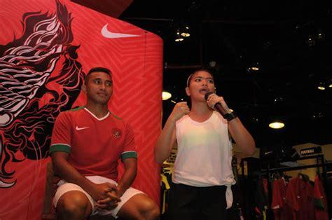 Jersey Timnas Indonesia 2018 Untuk Anak Anak Best Quality galeri launching jersey baru timnas indonesia jersey