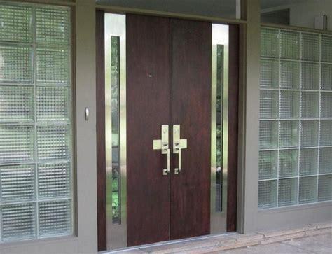Ac Rumah Terbaru desain pintu pada rumah minimalis modern jasa desain