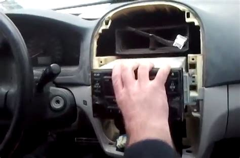 install     kia cerato radio