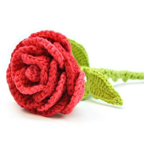 bloem haken patroon gratis haakpatroon bloem roos wolplein nl