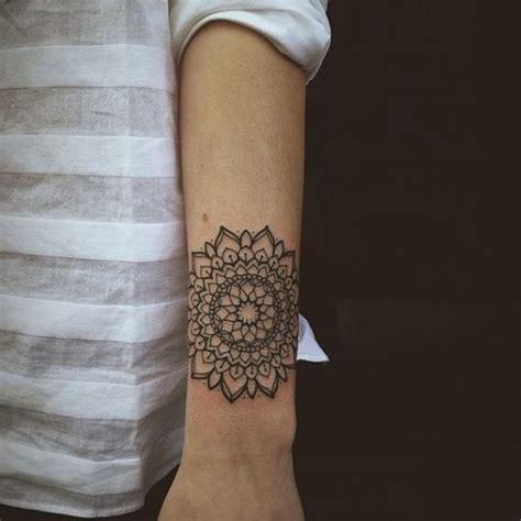tattoo mandala costela 74 ideias de tatuagem mandala incr 237 veis significados