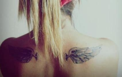 does tattoo on shoulder blade hurt shoulder tattoos tattoo insider