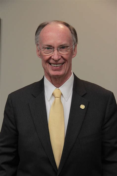robert bentley governor bentley recognizes national guard on partnership