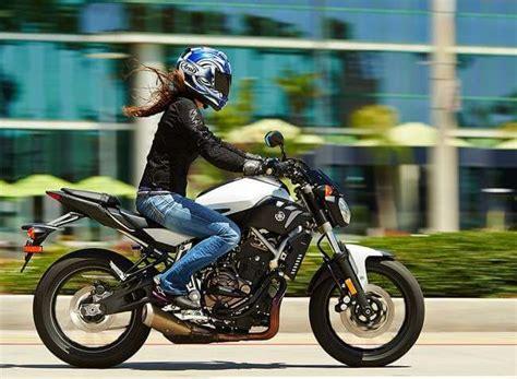 imagenes mujeres y motos 10 scooters y motos para mujeres a2 125 cc motos