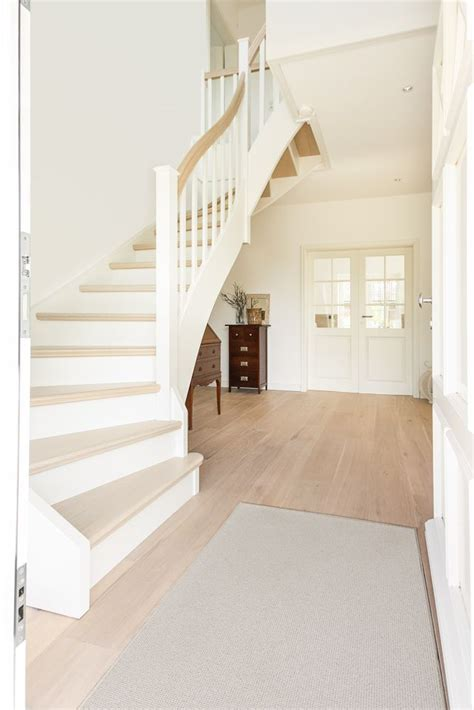 Ideen Flur Mit Treppe by Die Besten 25 Treppe Ideen Auf Treppenaufgang