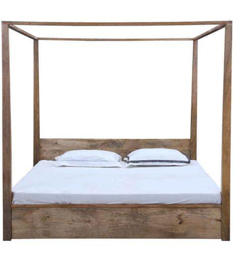letti baldacchino legno letto baldacchino legno naturale letti coloniali