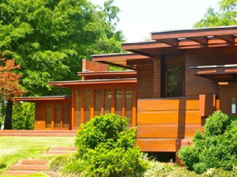 front exterior picture of frank lloyd wright s