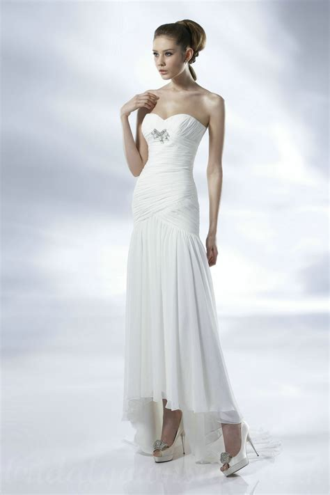 25 modern but cheap wedding dresses modern wedding