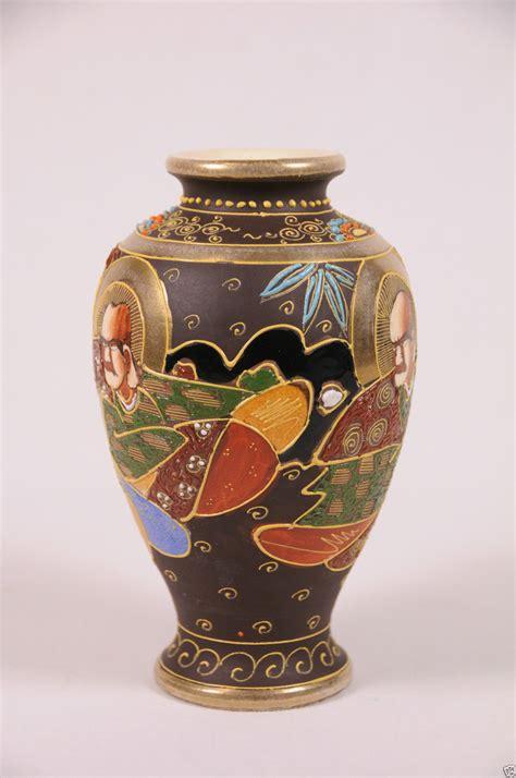 japanese satsuma vase antique japanese satsuma vase signed moriage meiji pottery