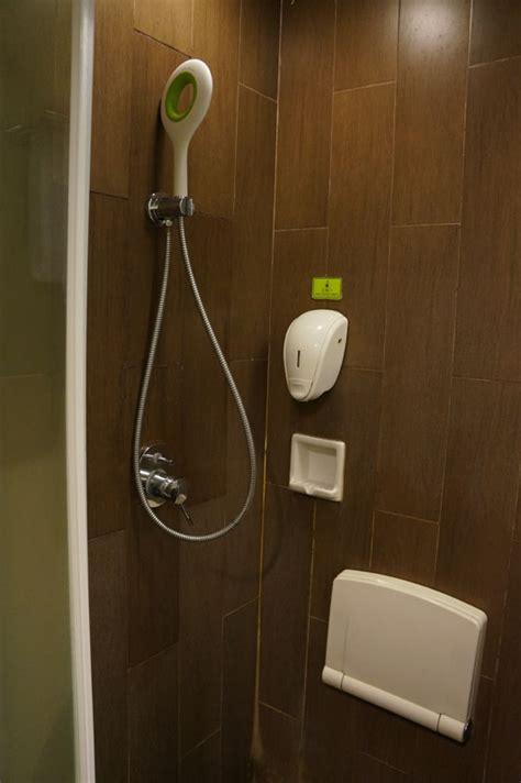 Paket Oke Shower Shower Mandi Shower maxone hotel sabang jakarta nonikhairani