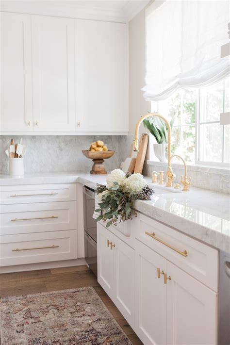 white cabinets with gold hardware 25 best ideas about brass hardware on pinterest
