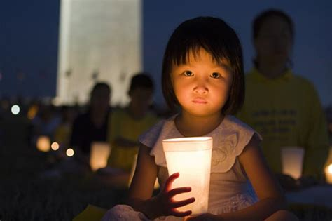 Candle Lighting Times Washington Dc by Falun Gong Holds Candlelight Vigil In Washington D C