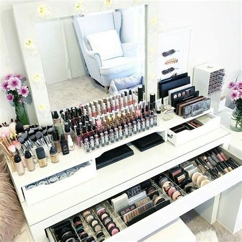 Organize Vanity Table Best 25 Bedroom Ideas On Pinterest Glam Bedroom Bedroom Decor Glam And Luxurious