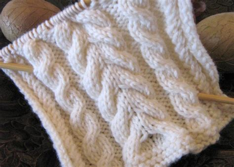 knit cable stitch for knitted cable patterns