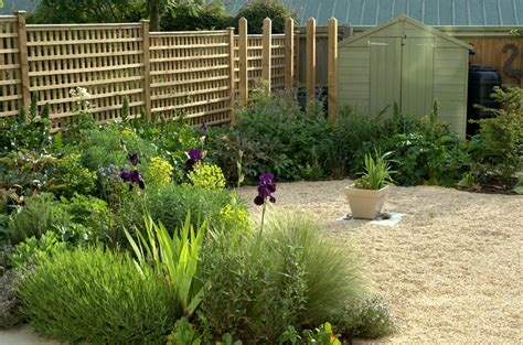 A Small Gravel Garden · Paul Ridley Garden Design Oxford
