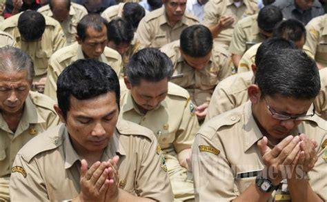 Baju Pegawai Negeri Sipil pegawai pn binjai pulangkan baju dinas tribunnews