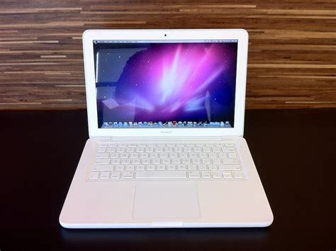 Macbook White macbook unibody review late 2009 gearopen