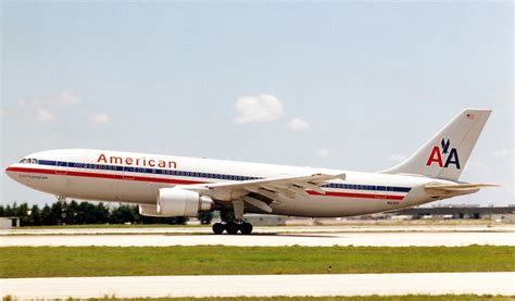 united airlines american airlines american airlines flight 587 wikipedia