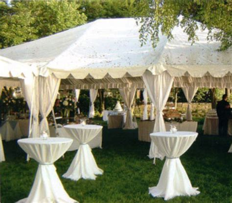 backyard wedding tent 17 best ideas about small outdoor weddings on pinterest
